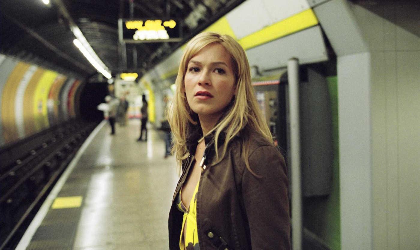 Franka Potente in the London Underground in Creep (2004)