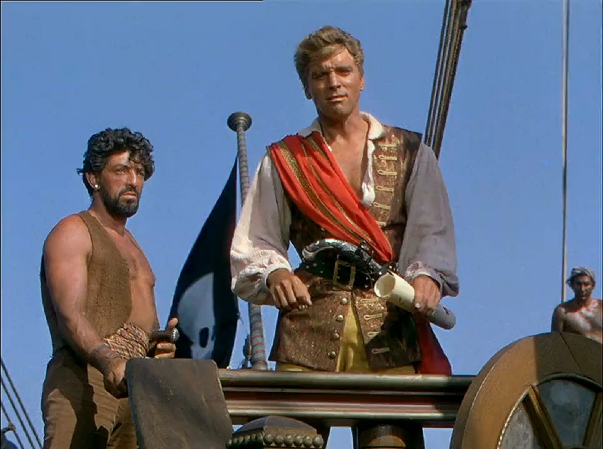 Ojo (Nick Cravat) and Captain Vallo (Burt Lancaster) in The Crimson Pirate (1952)