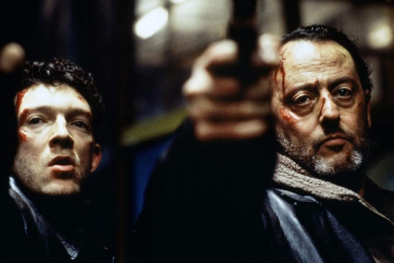 (l to r) Investigating detectives Vincent Cassel and Jean Reno in The Crimson Rivers (2000)