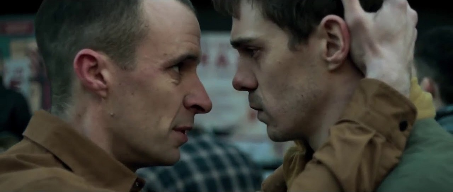 Tom Vaughan-Lawlor, Sam Keeley in The Cured (2017)