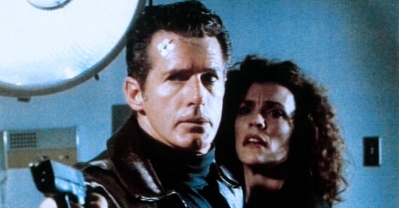 Jack Scalia and Robin Curtis in Dark Breed (1995)