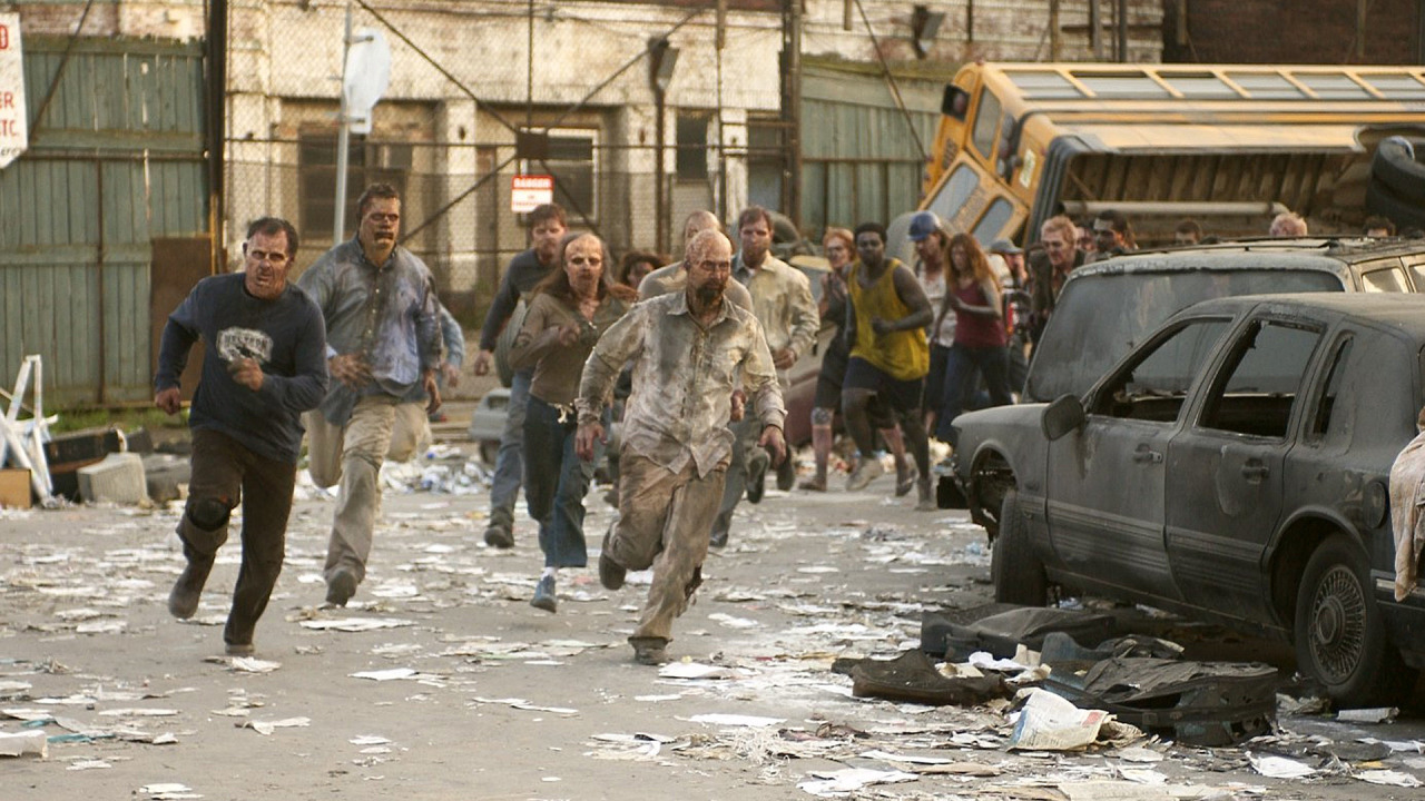 Fast-moving zombies in Dawn of the Dead (2004)