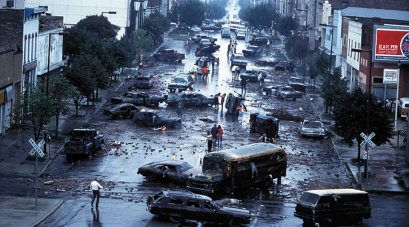The devastation in the aftermath in The Day After (1983)
