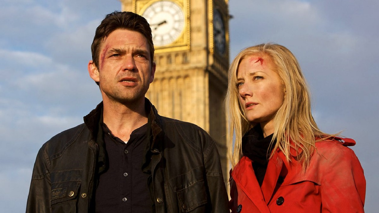Bill Masen (Dougary Scott) and Jo Playton (Joely Richardson) in The Day of the Triffids (2009)