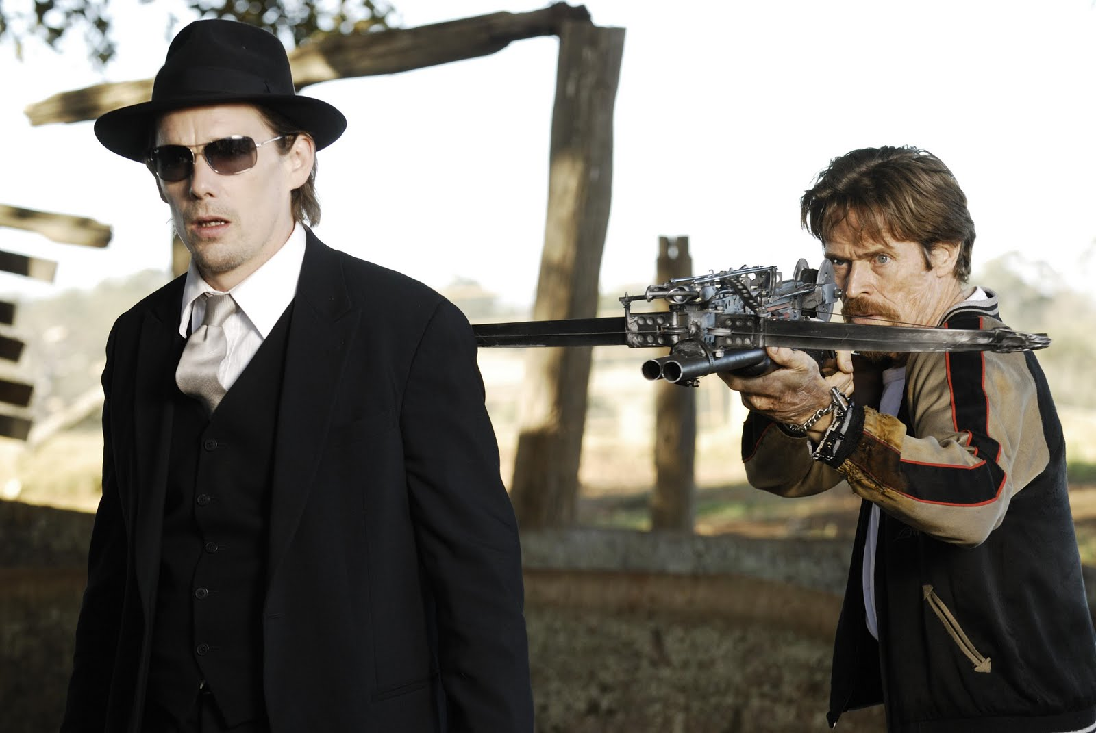Vampire Ethan Hawke and Willem Dafoe as a vampire who has become human again in Daybreakers (2009)
