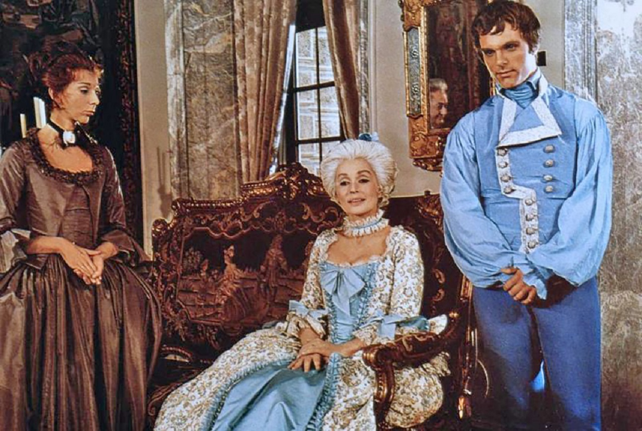 The Marquis de Sade (Keir Dullea) (r) with mother-in-law Lilli Palmer (c) and Renee (Anna Massey) (l), the woman he is tricked into marrying in De Sade (1969)