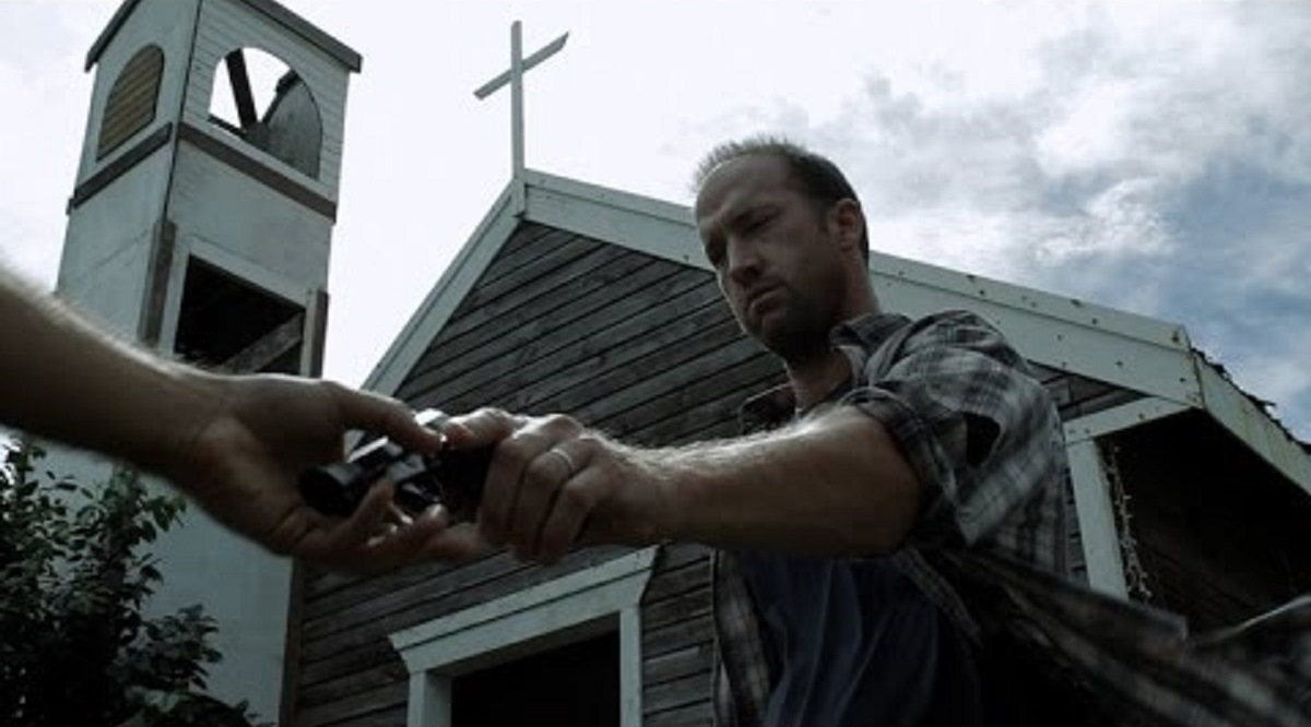 Scott Peat arms to fight the zombies in Dead Season (2012)