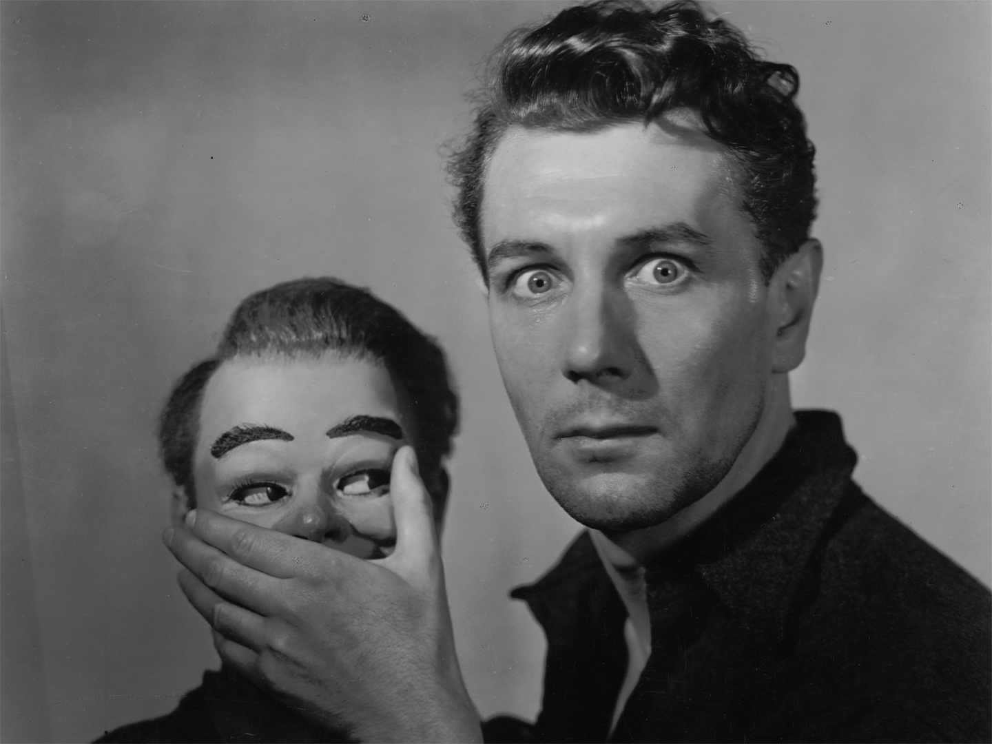Maxwell Frere (Michael Redgrave) and his dummy Hugo Fritch in The Ventriloquist's Dummy episode in Dead of Night (1945)