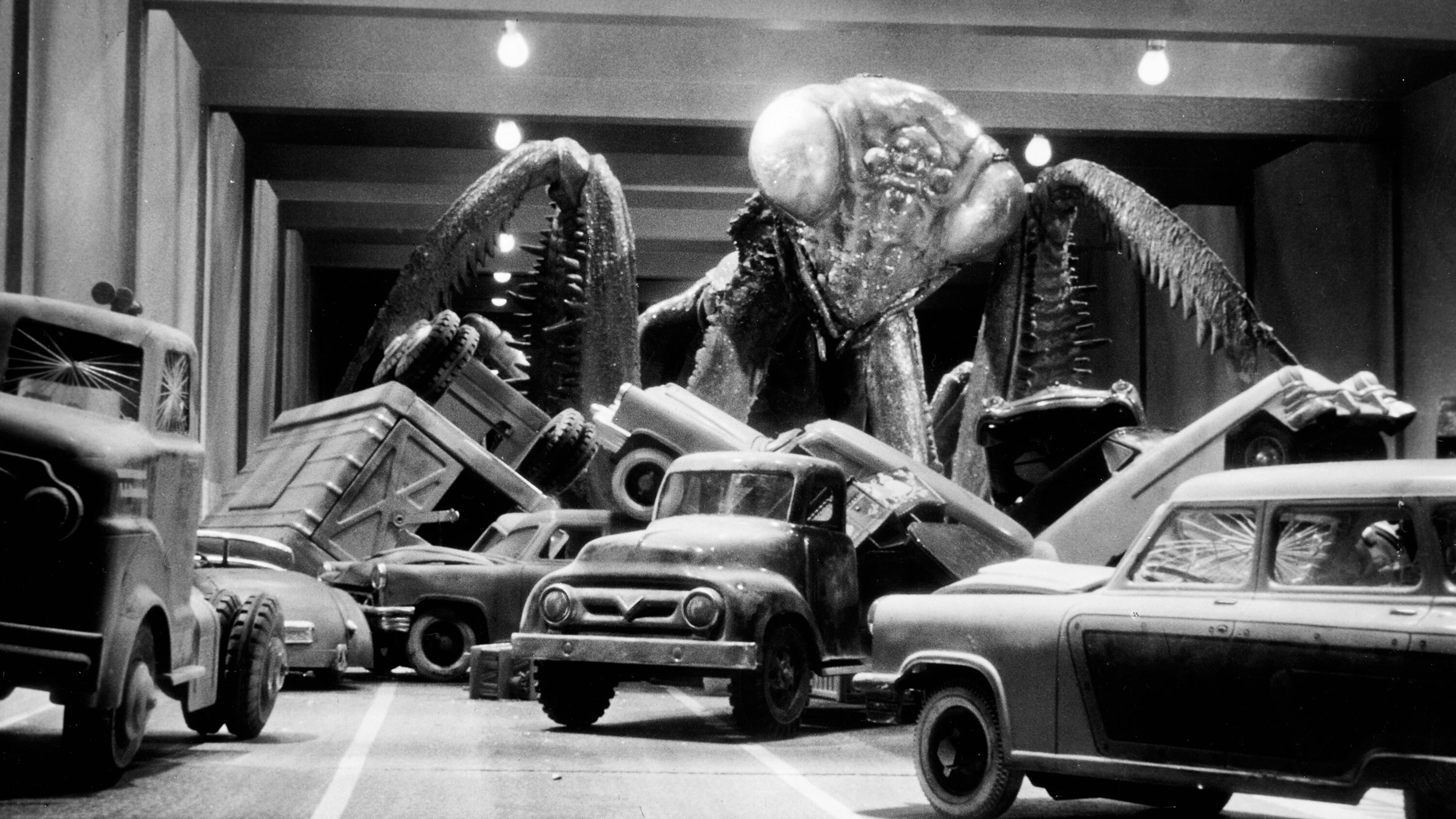 The giant mantis attacks the Holland Tunnel in The Deadly Mantis (1957)