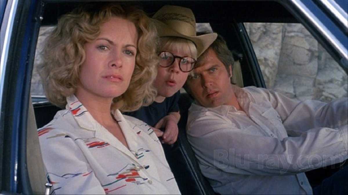 Catherine Hicks, young Peter Billingsley and Paul Le Mat in Death Valley (1982)