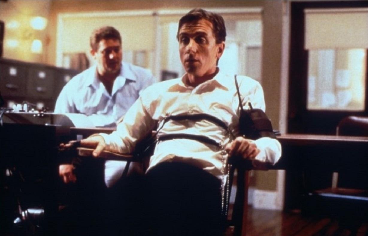 Chris Penn, Tim Roth in Deceiver (1997)