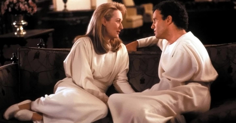 Daniel Miller (Albert Brooks) with his aftelife love Julia (Meryl Streep) in Defending Your Life (1991)