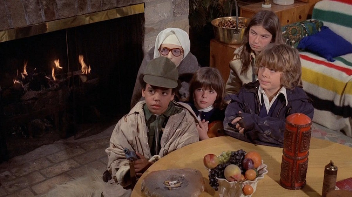 The evil children - Tierre Turner, Tia Thompson, Dawn Lyn and Leif Garrett with Sister Hannah (Gail Smale) in Devil Times Five (1974)