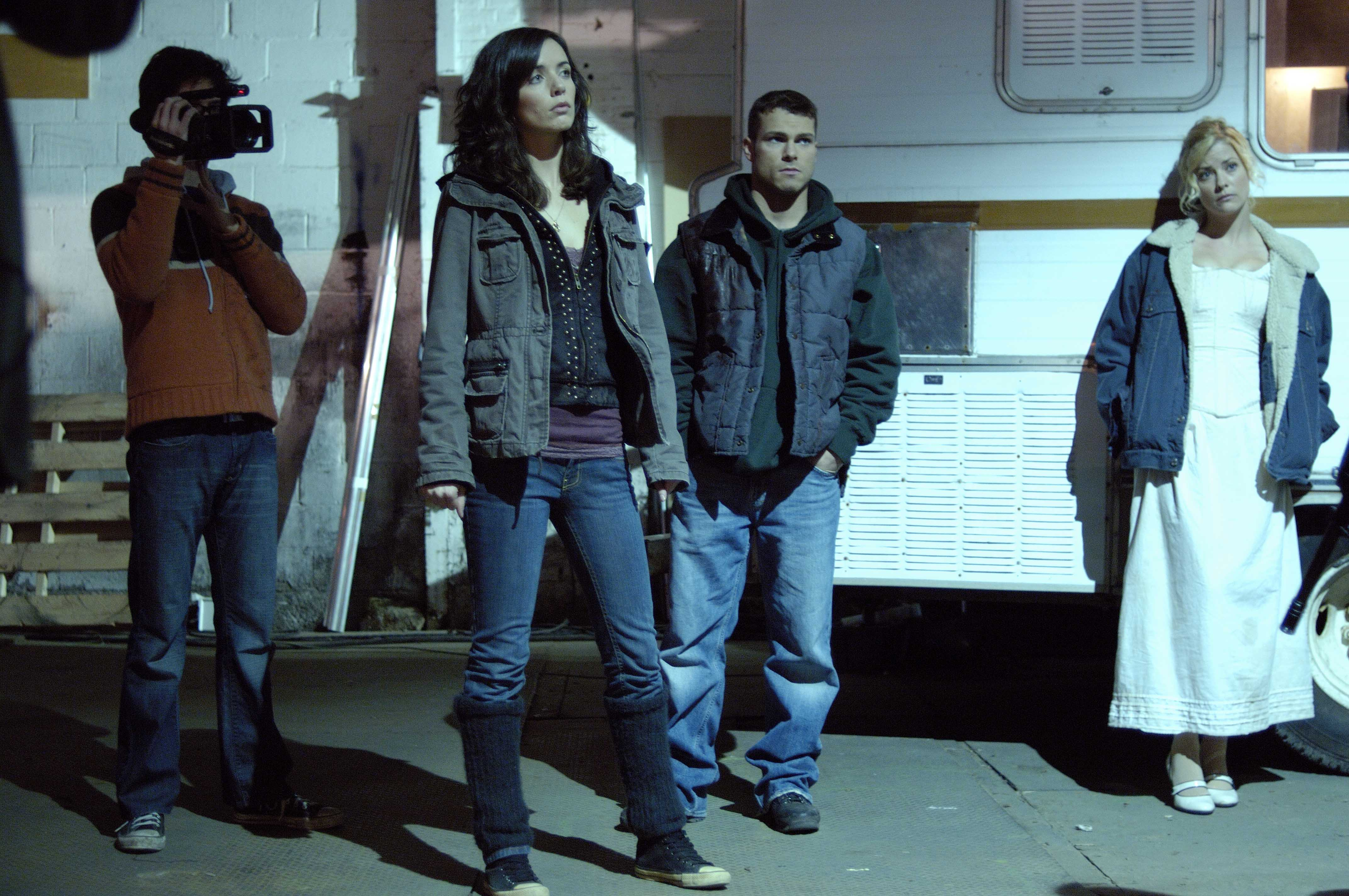 Film school students face the zombie apocalypse - (l to r) Joe Dinicol, Michelle Morgan, Shawn Roberts and Amy Lalonde in Diary of the Dead (2007)