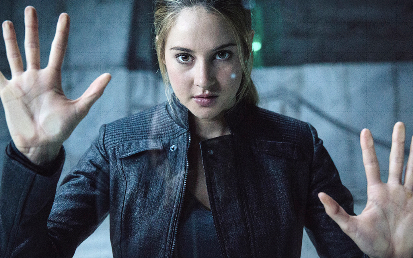 Shailene Woodley as Tris Prior in Divergent (2014)