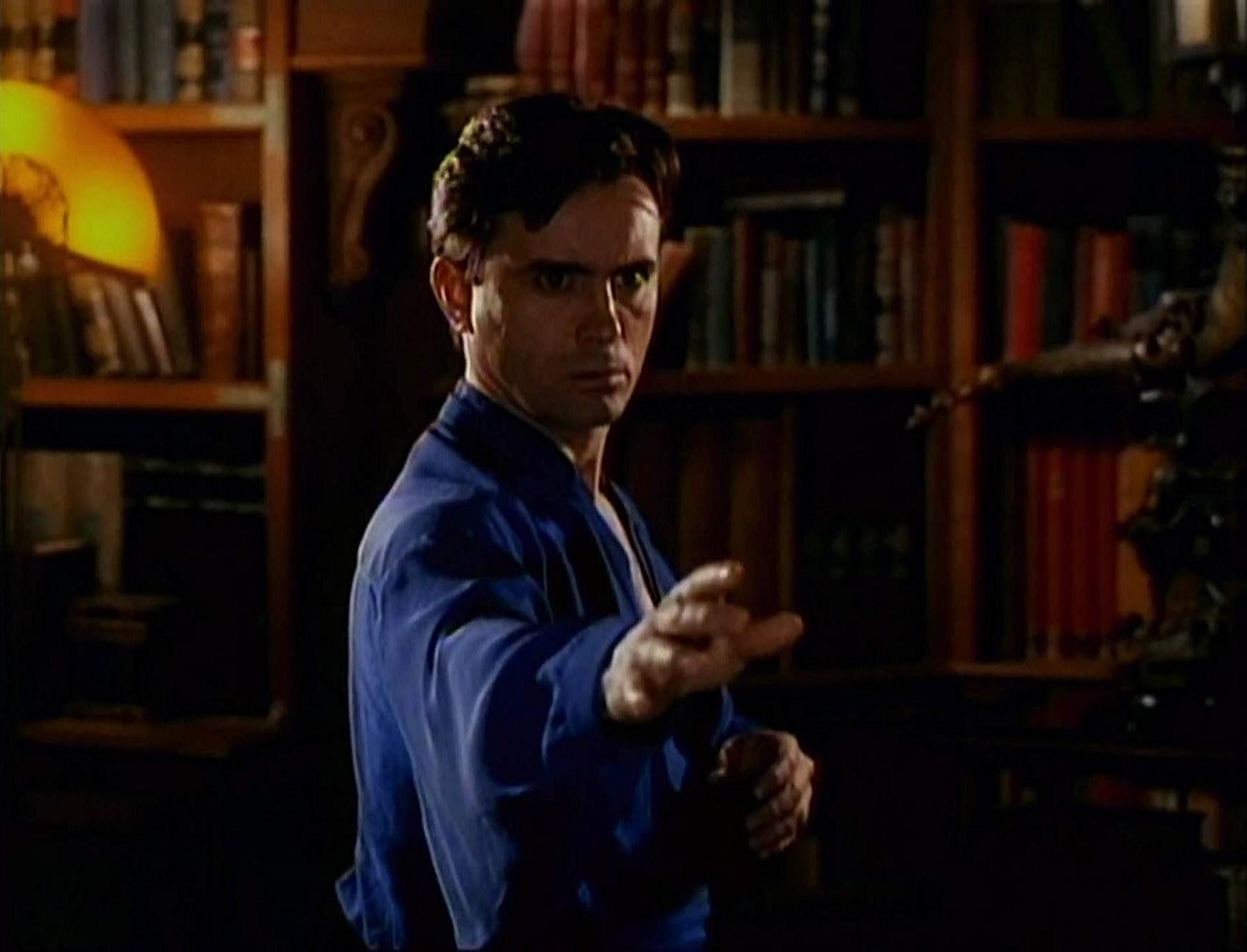 Jeffrey Combs as Dr Anton Mordrid in Doctor Mordrid (1992)