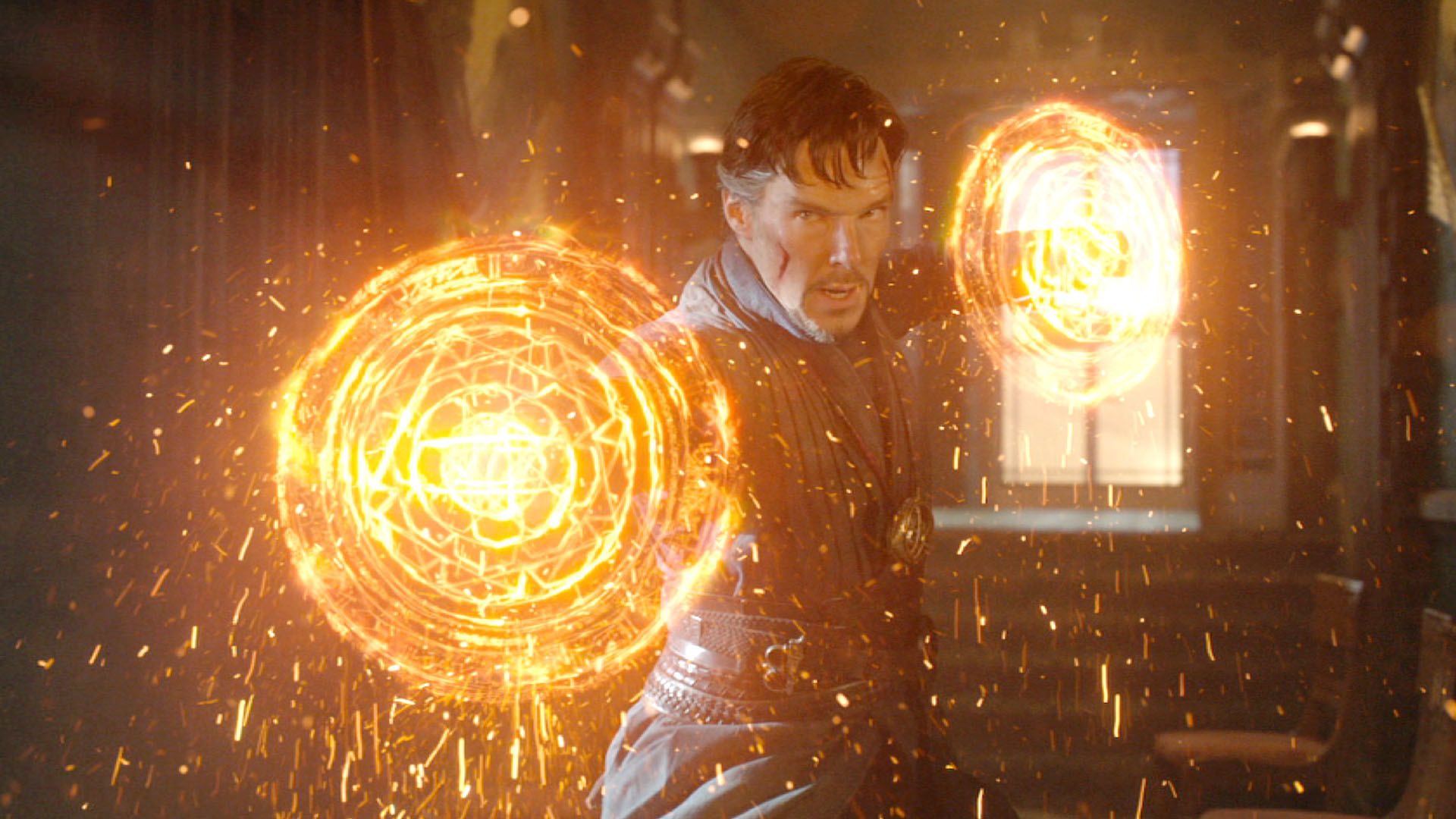 Dr Strange (Benedict Cumberbatch) wields magic in Doctor Strange (2016)