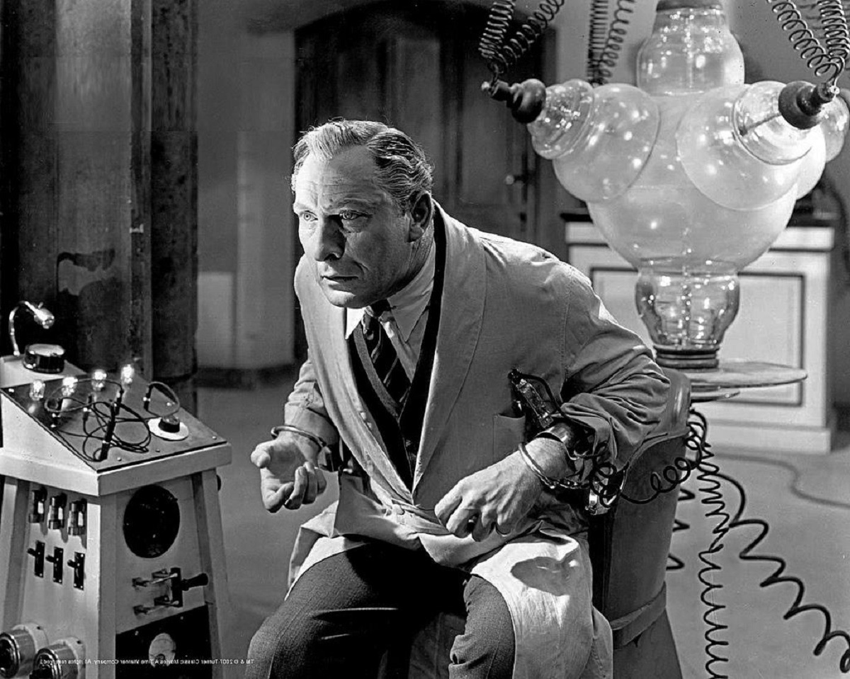 Lionel Atwill as Dr Xavier in Doctor X (1932)