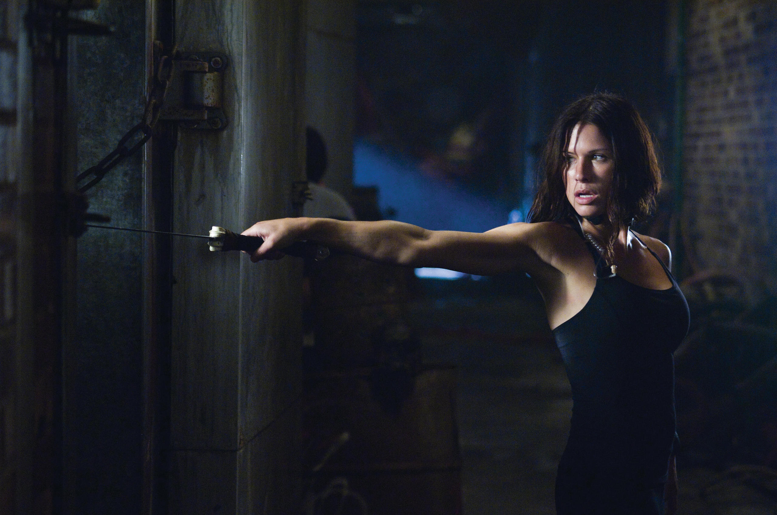 A tough kick-ass Rhona Mitra in Doomsday (2008)
