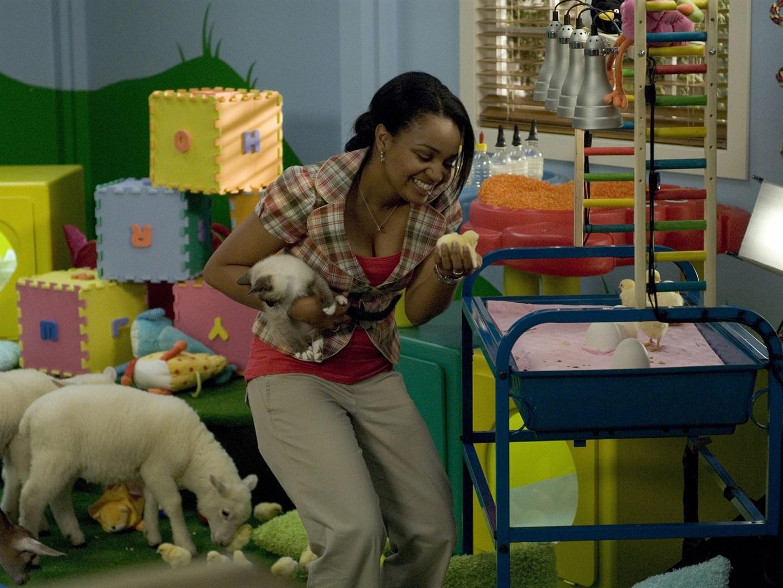Dr Dolitte's daughter Maya (Kyla Pratt) in Dr. Dolittle 3 (2006)