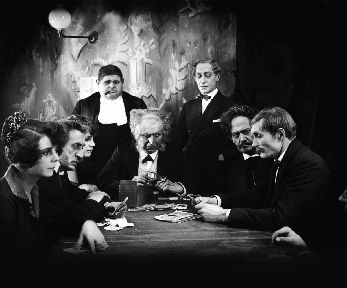 The gambling den with Rudolf Klein-Rogge in Dr Mabuse, the Gamber (1922)