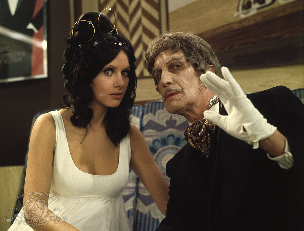 Dr Phibes (Vincent Price) and Vulnavia (Valli Kemp) in Dr Phibes Rises Again (1972)