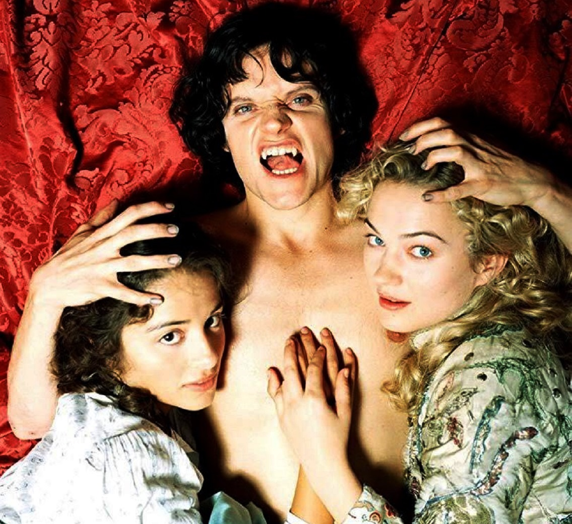Mina Murray (Stephanie Leonidas), Count Dracula (Marc Warren) and Lucy Westenra (Sophia Myles) in Dracula (2006)