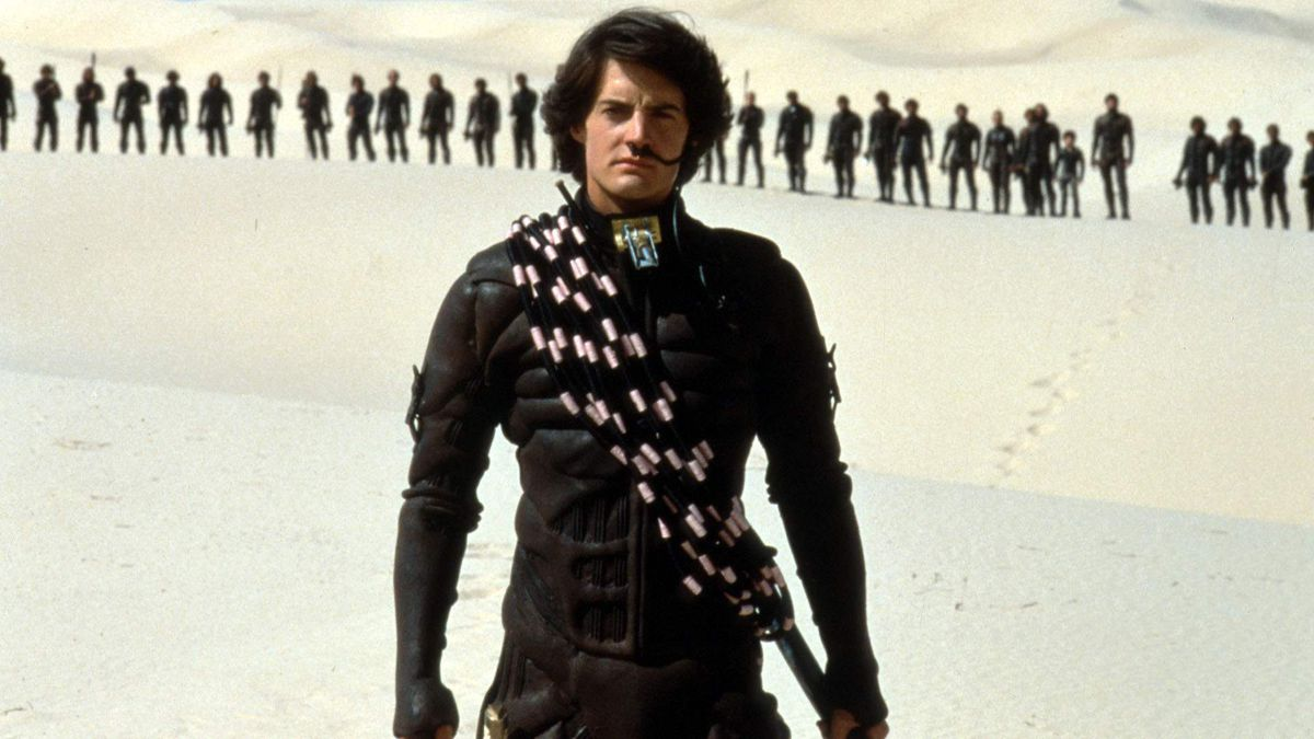 Kyle MacLachlan as Paul Atreides leading the Fremen in Dune (1984)