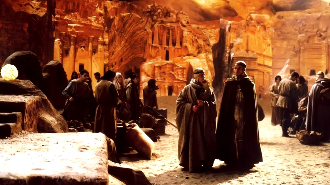 The complex culture of the Fremen on Arrakis in Dune (2000)