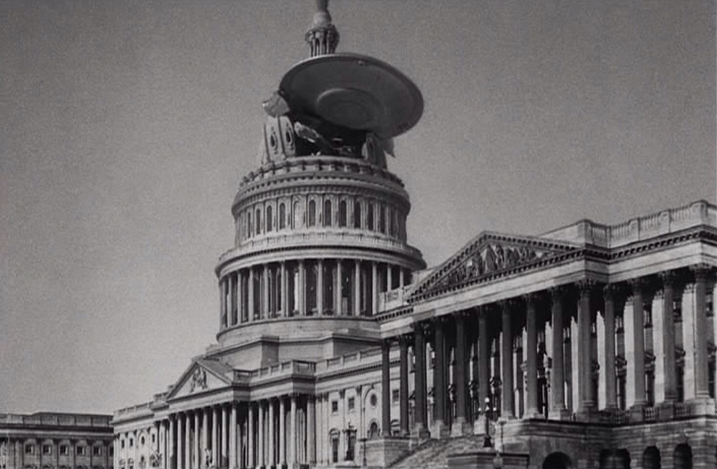 A flying saucer hits the Capitol Building in Earth Vs the Flying Saucers (1956)