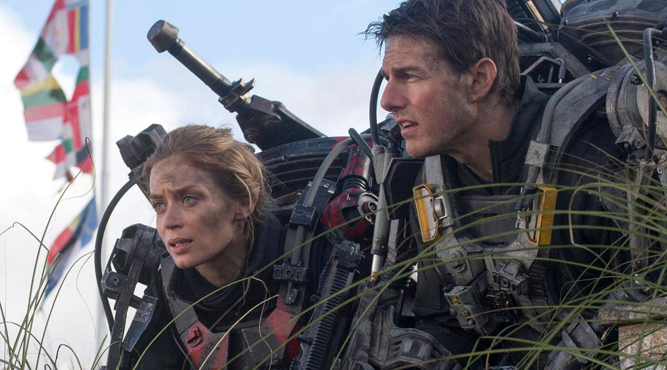 Tom Cruise and Emily Blunt caught in a timeloop in Edge of Tomorrow (2014)