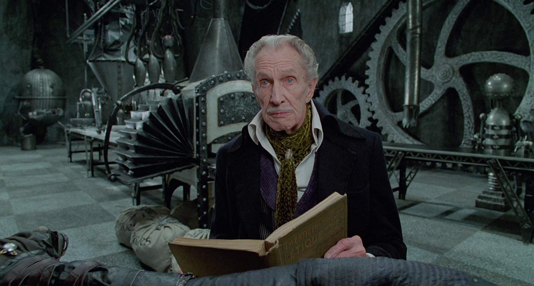 A 79 year old Vincent Price in his last film role as Edward's creator in Edward Scissorhands (1990)
