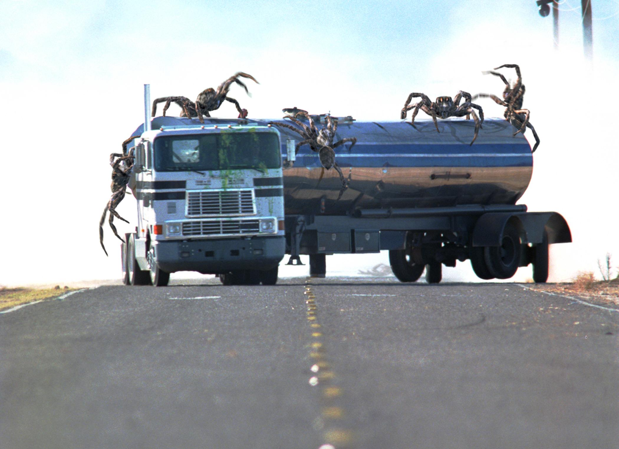 Giant spiders vs tanker in Eight Legged Freaks (2002)