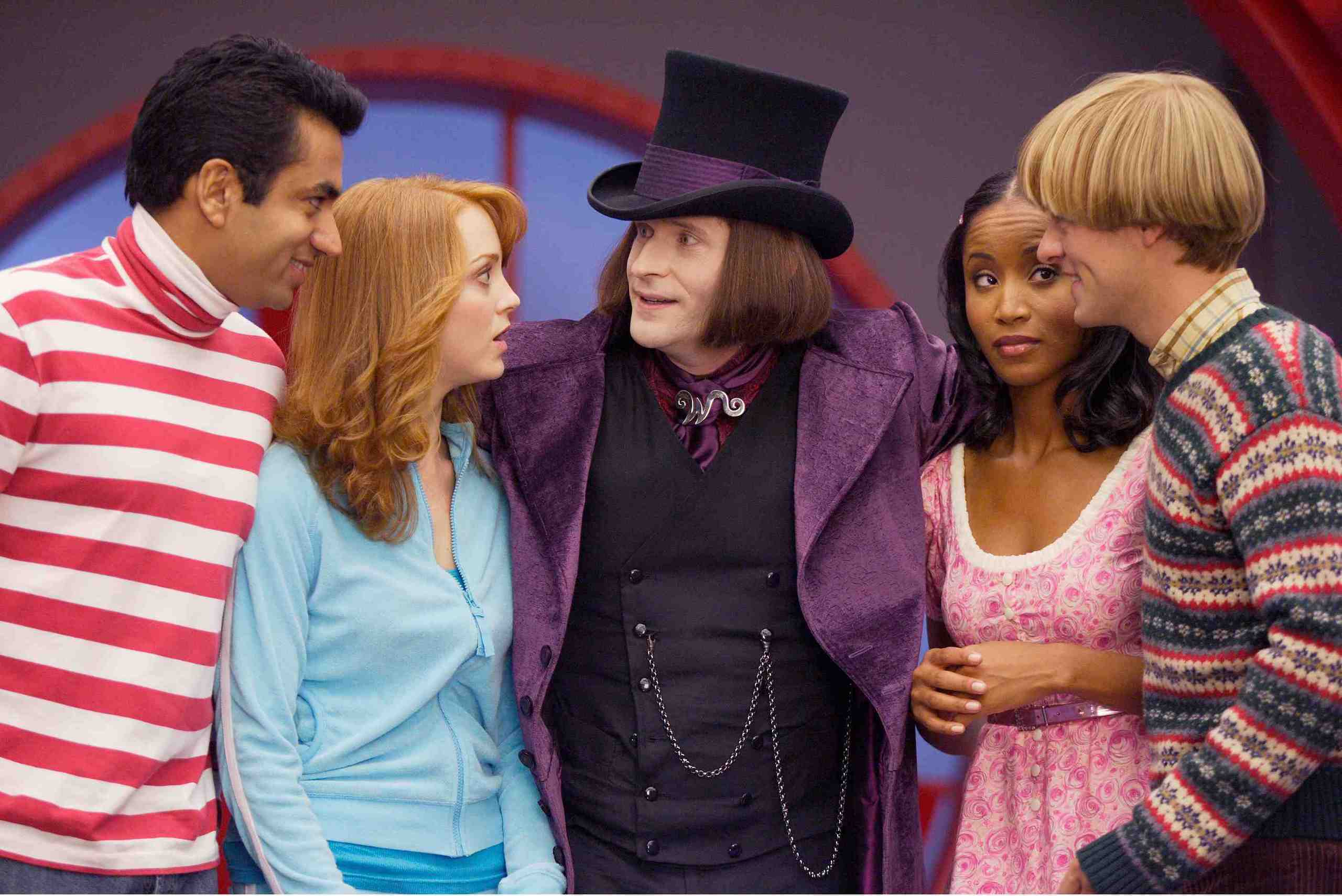 Willy (Crispin Glover) greets the orphans Kal Penn, Jayma Mays, Faune A. Chambers, Adam Campbell in Epic Movie (2007)