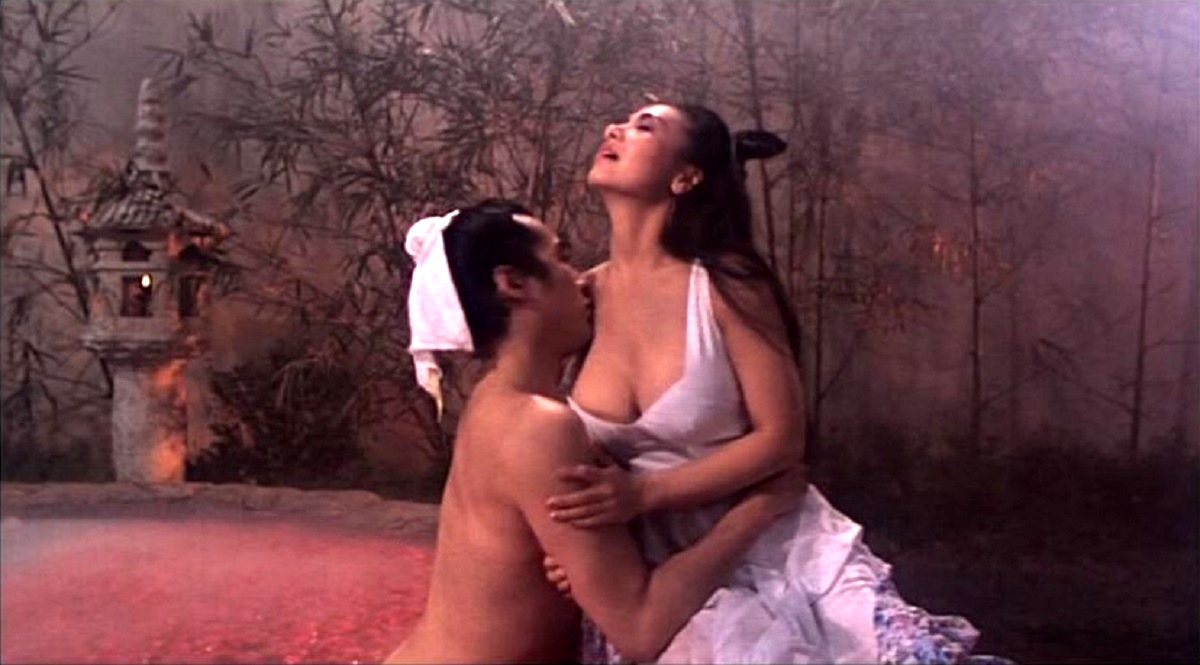 Scholar Leslie Cheung succumbs to the temptations of fairy sister Amy Yip in Erotic Ghost Story (1990)