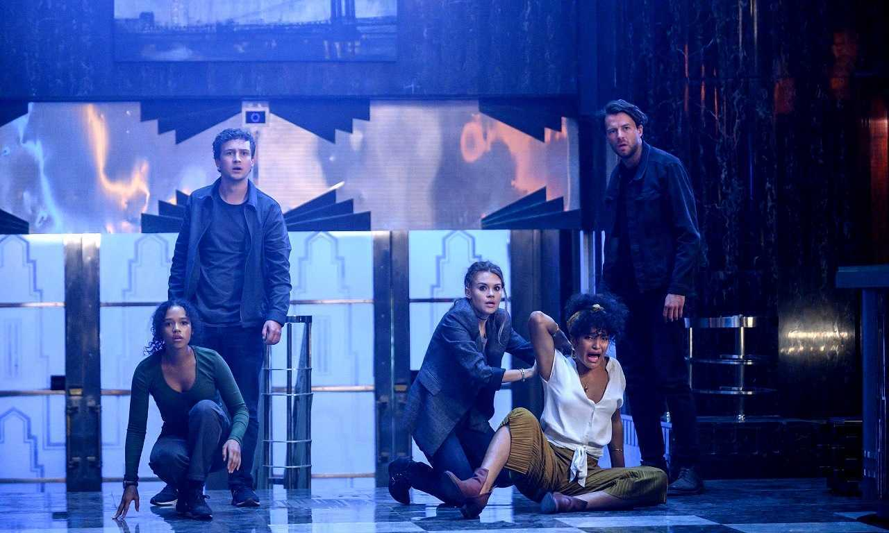 Taylor Russell, Logan Miller, Holland Roden, Indya Moore and Thomas Coquerel in Escape Room: Tournament of Champions (2021)