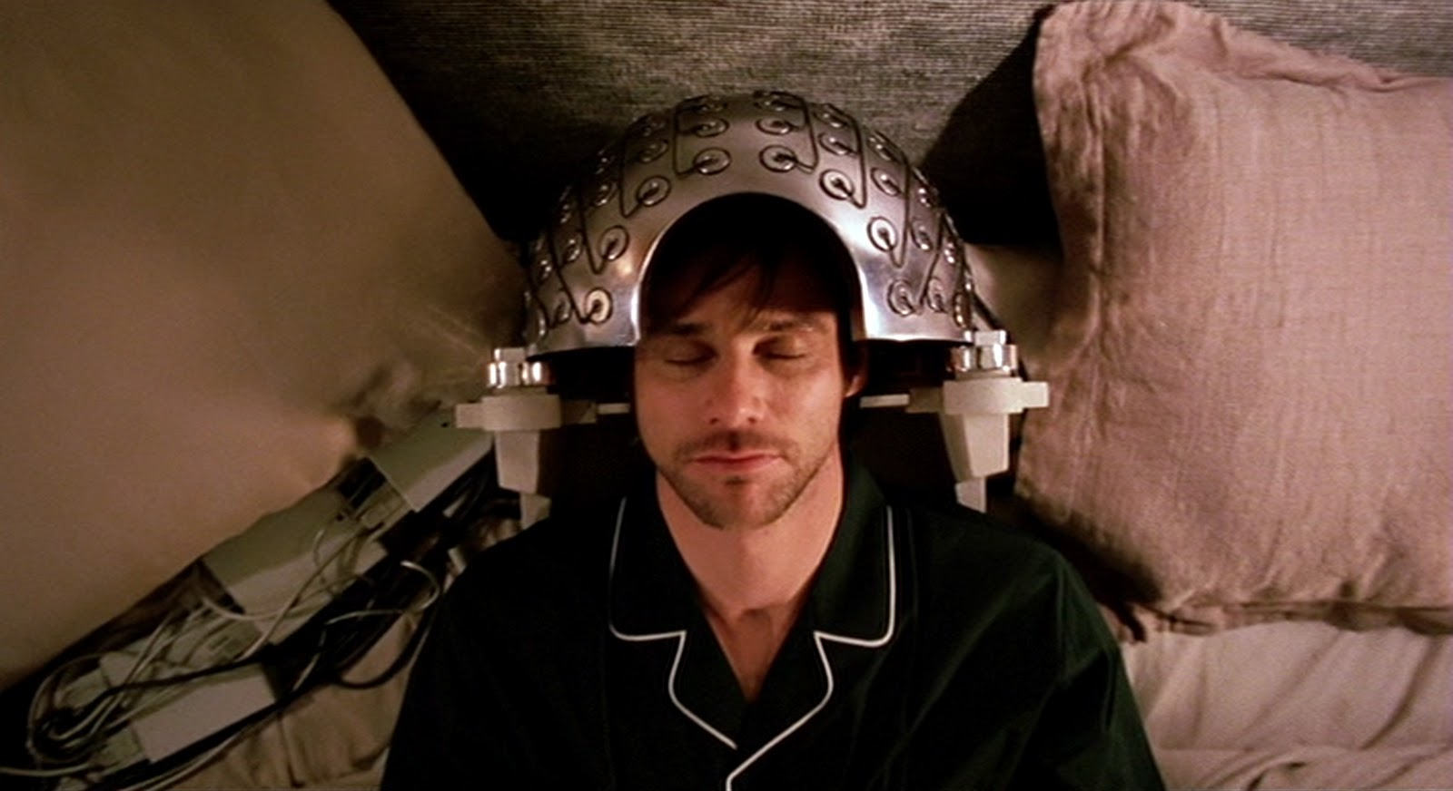 Jim Carrey goes to the Lacuna Institute to have his own memories erased in Eternal Sunshine of the Spotless Mind (2004)