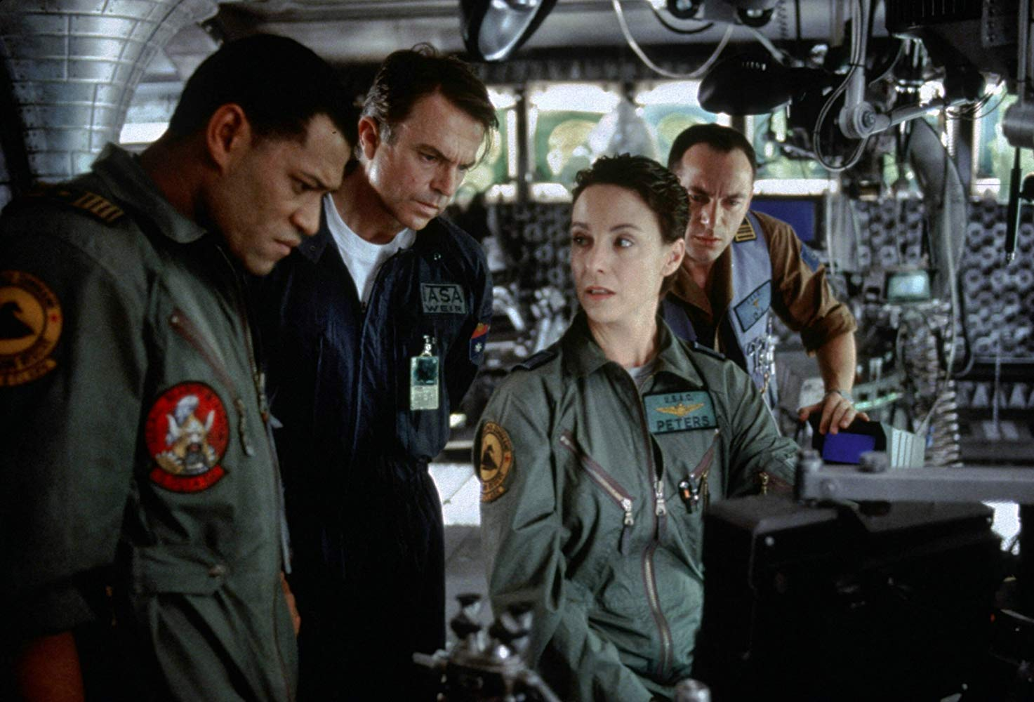 The crew of the Lewis and Clark - (l to r) Laurence Fishburne, Sam Neill, Kathleen Quinlan and Jason Isaacs in Event Horizon (1997)
