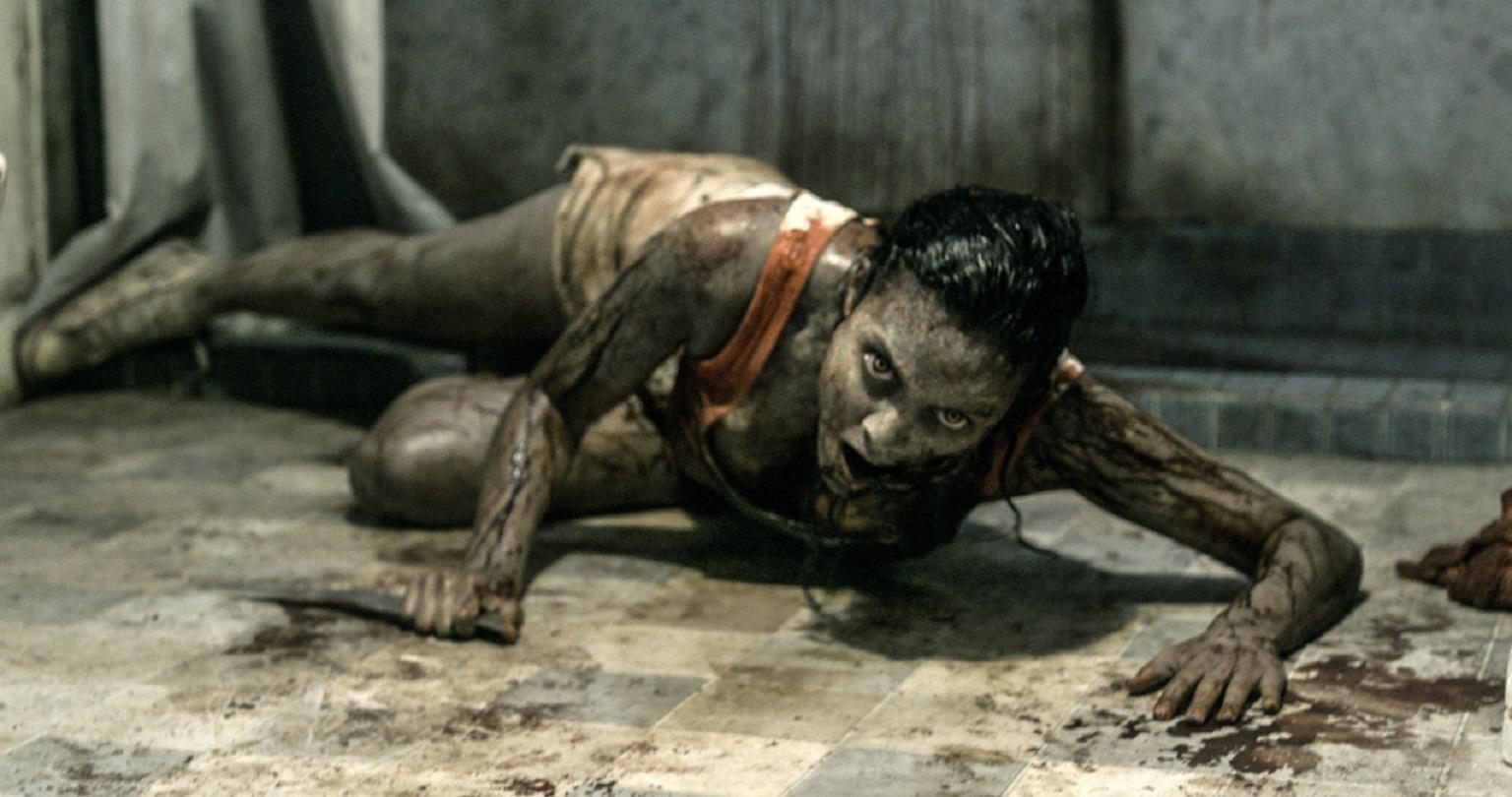 Jessica Lucas in Evil Dead (2013)