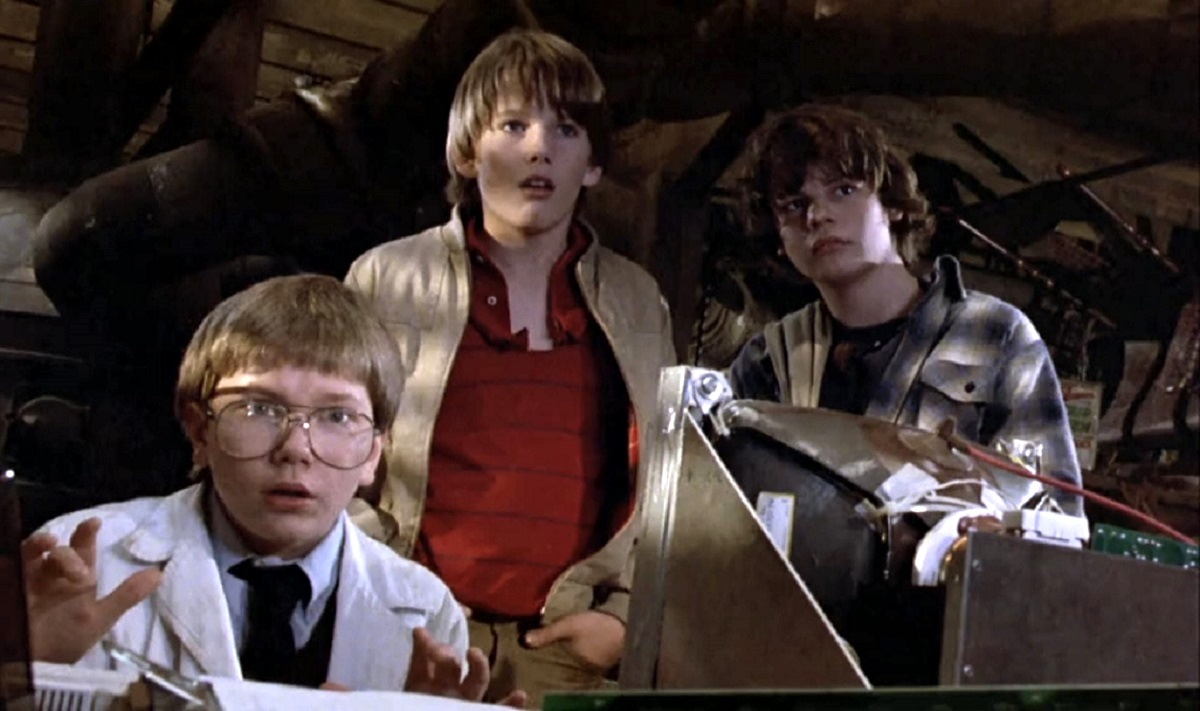 Teen inventors (l to r) River Phoenix, Ethan Hawke and Jason Presson in Explorers (1985)