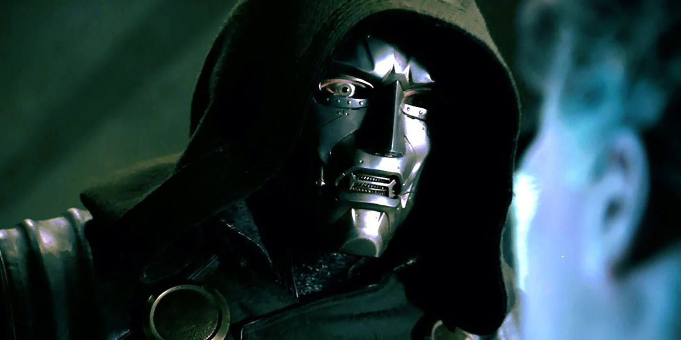 Victor Von Doom (Julian McMahon) in Fantastic Four (2005)
