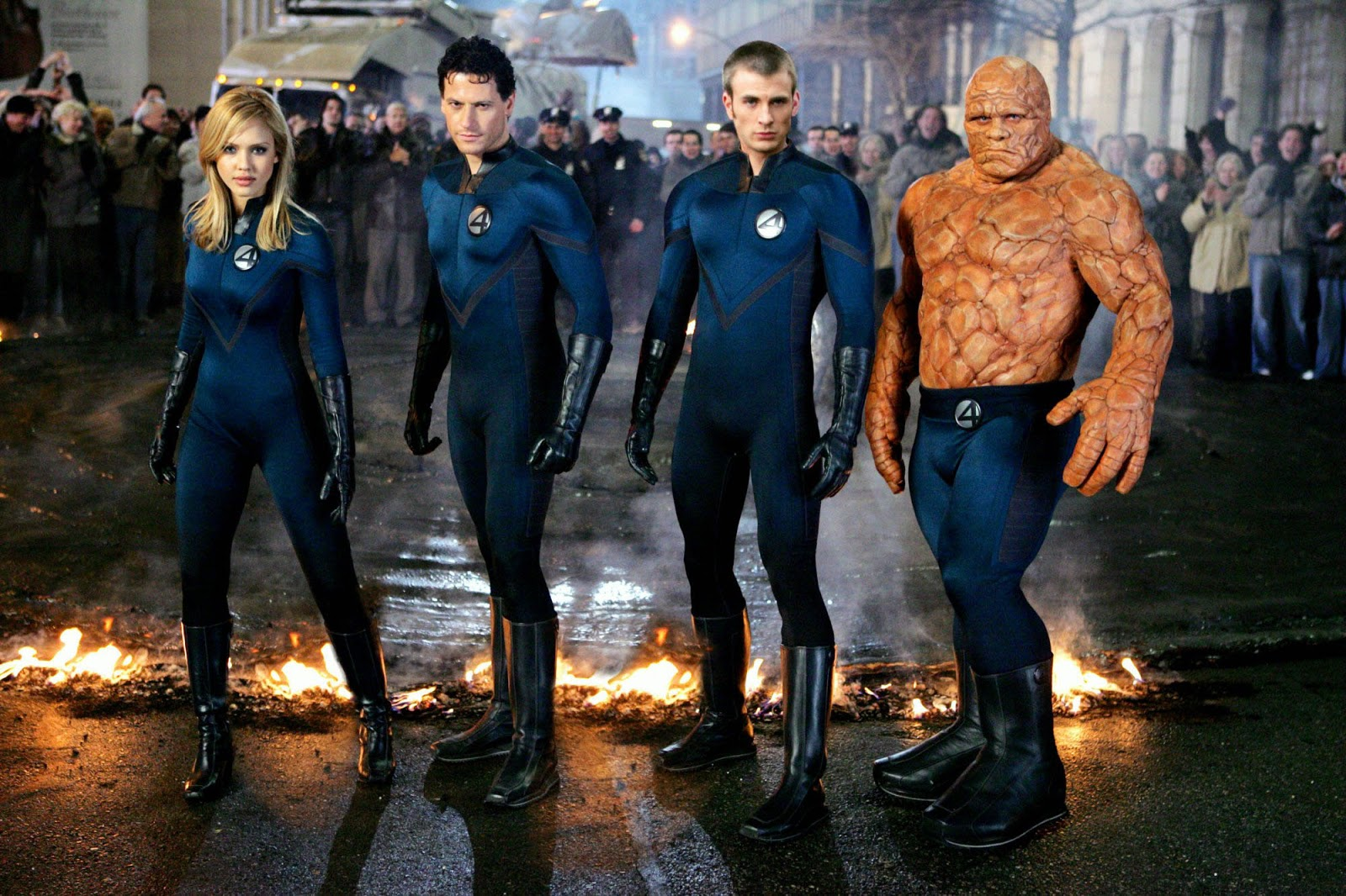 Susan Storm/Invisible Girl (Jessica Alba), Reed Richards/Mr Fantastic (Ioan Gruffudd), Johnny Storm/The Human Torch (Chris Evans), Ben Grimm/The Thing (Michael Chiklis) in Fantastic Four (2005)