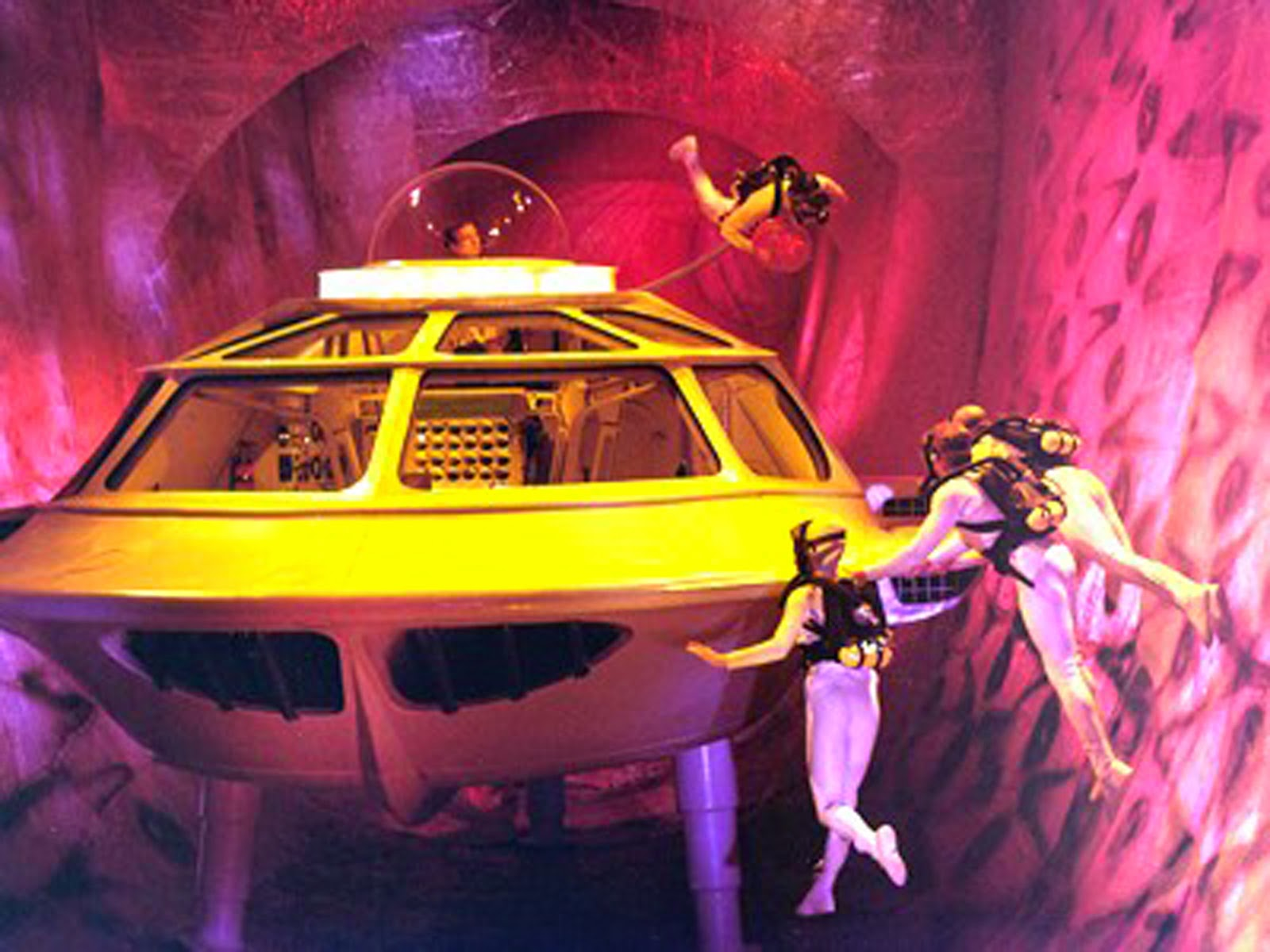 The submarine and crew make their way through the lungs in Fantastic Voyage (1966)