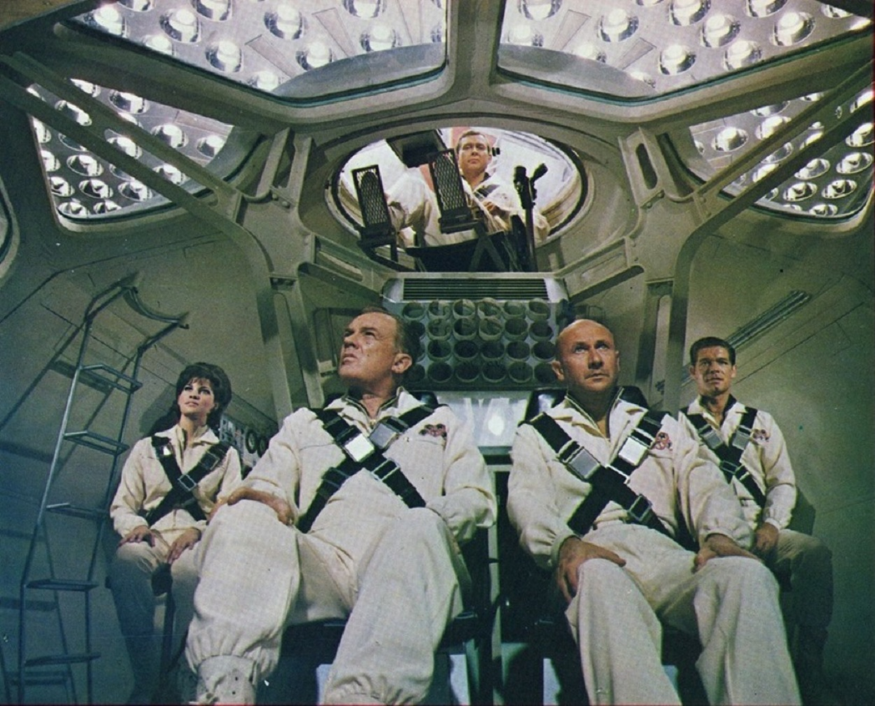 The submarine crew - Raquel Welch, Arthur Kennedy, Donald Pleasence, Stephen Boyd and William Redfield in Fantastic Voyage (1966)