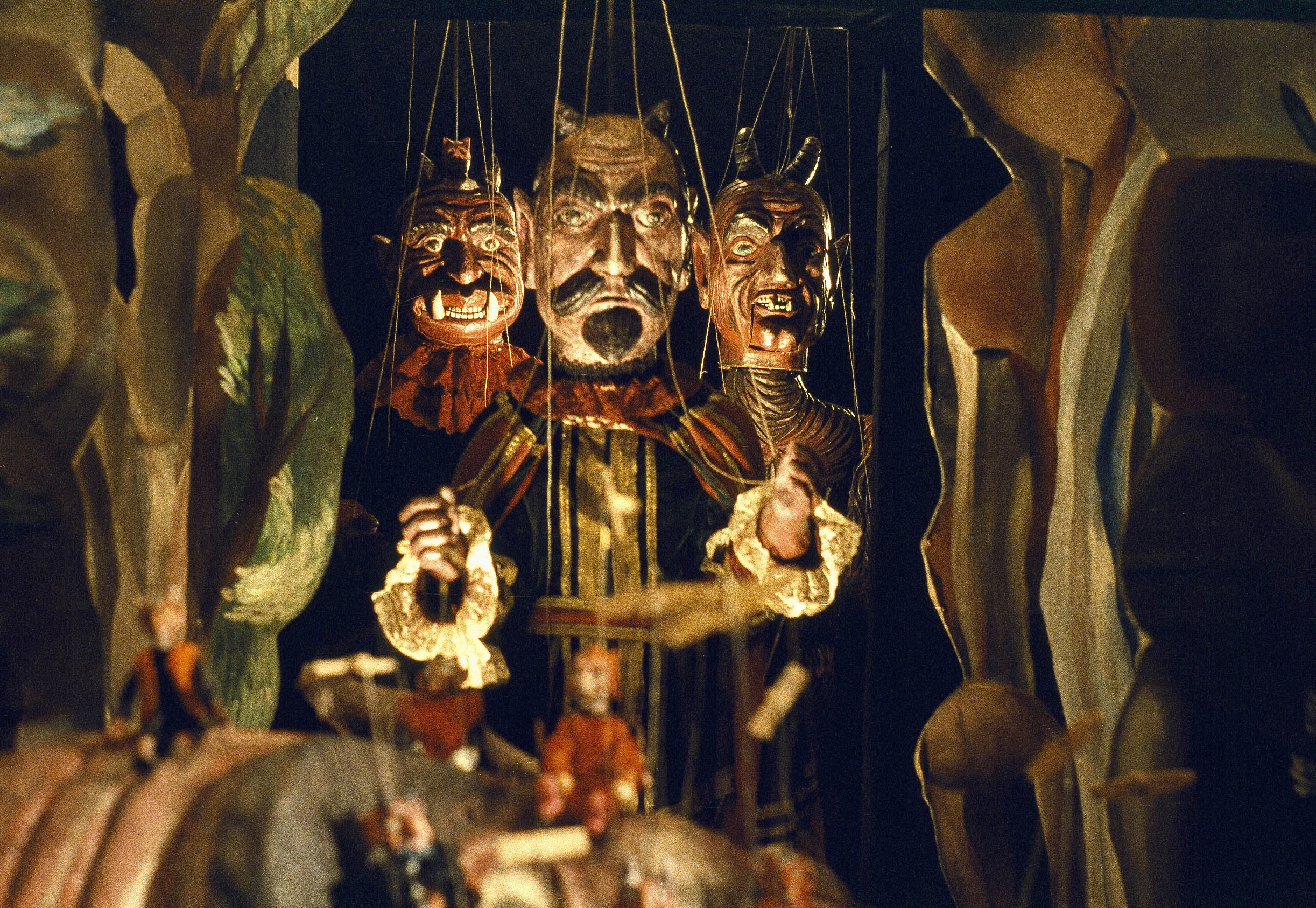 Jan Svankmajer's bizarre mix of puppetry and Claymation in Faust (1994)