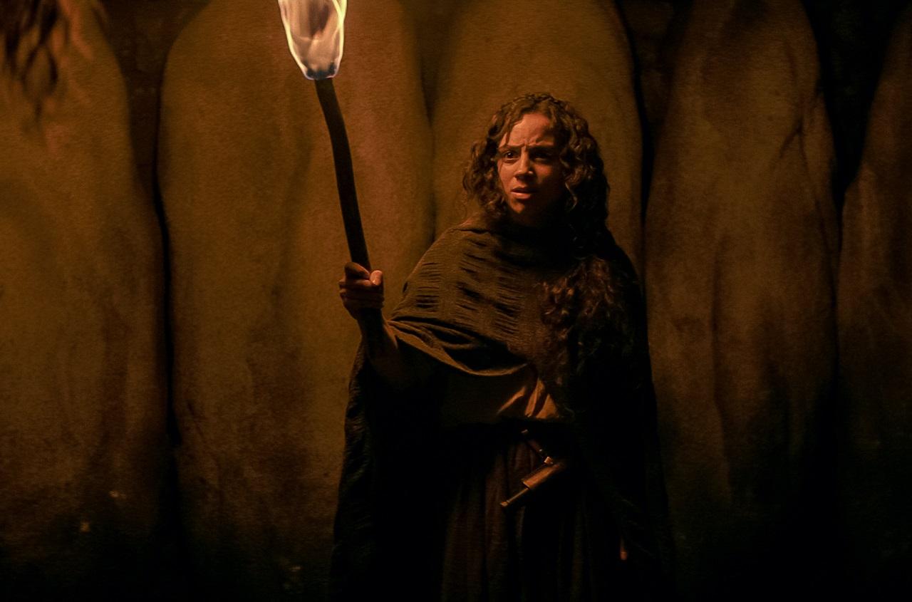 Kiana Madeira as Sarah Fier in Fear Street 1666 (2021)