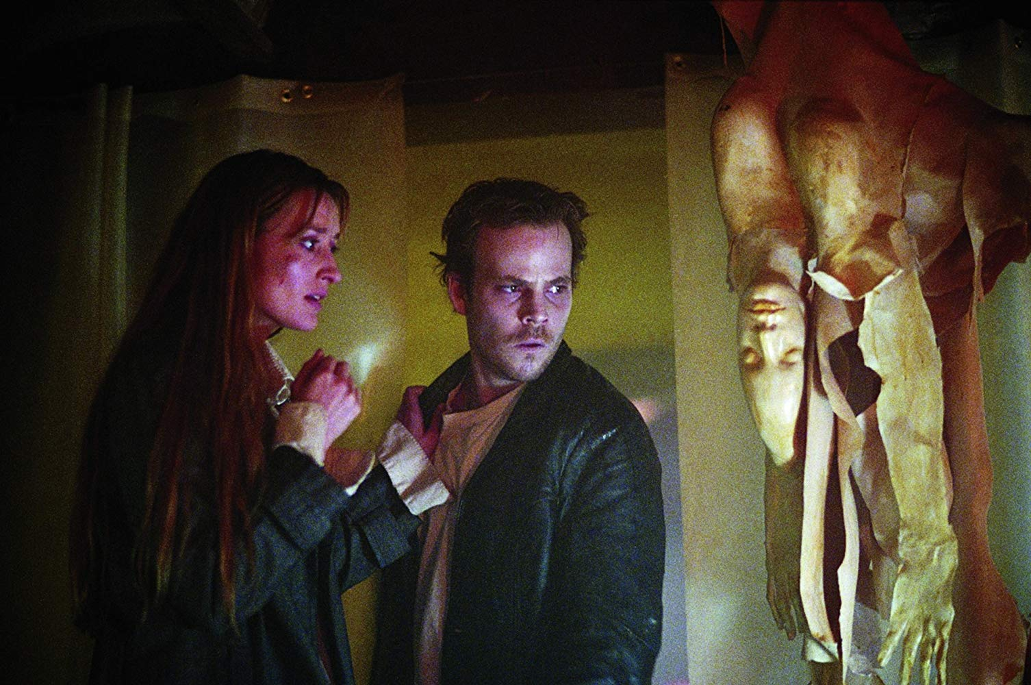 Natascha McElhone and Stephen Dorff investigate haunted websites in Feardotcom (2002)