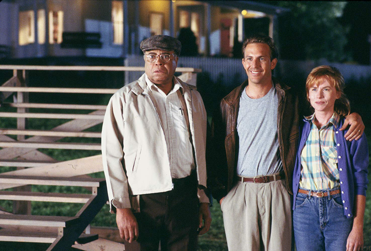 (l to r) Terence Mann (James Earl Jones), Ray Kinsella (Kevin Costner) and his wife Annie (Amy Madigan) in Field of Dreams (1989)