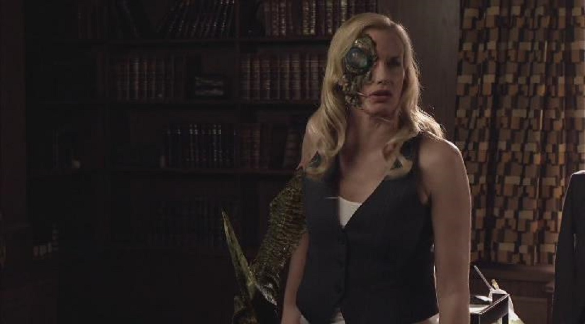 Darryl Hannah as an alien insect queen in Final Days of Planet Earth (2006)