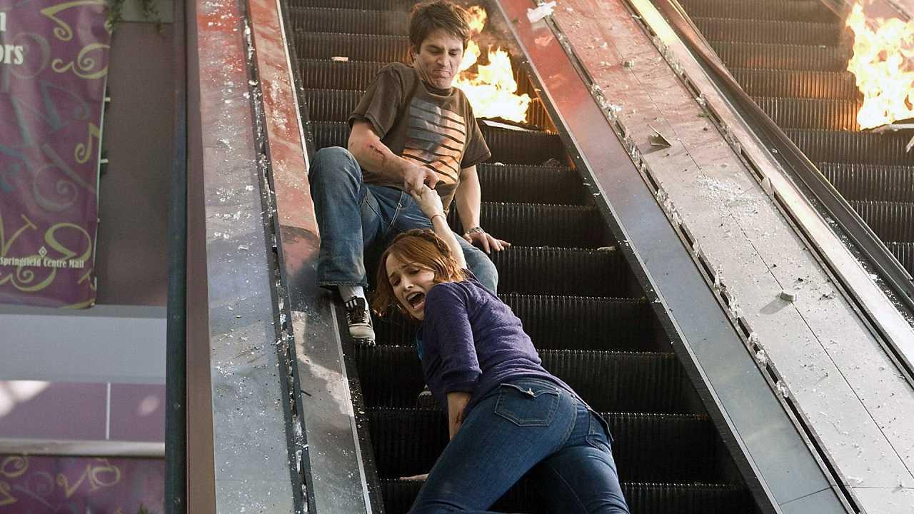 Bobby Campo and Shantel vanSanten deal with a killer escalator in The Final Destination (2009)
